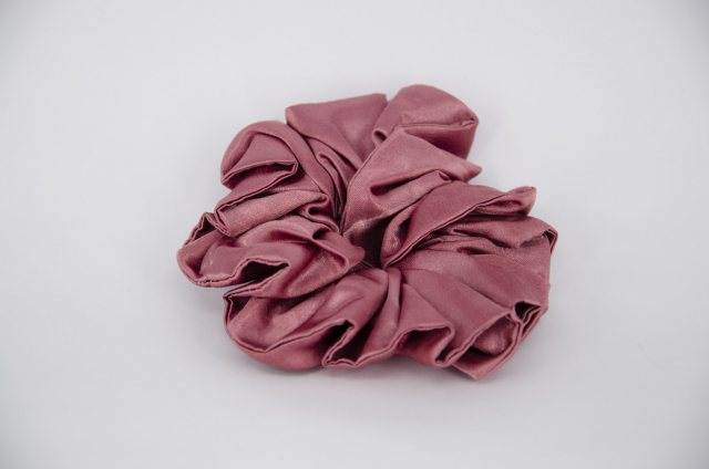 Equi-Jewel (20) Dusky Pink Single Colour Scrunchie